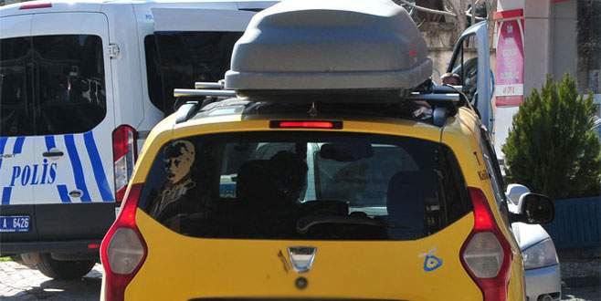 Taksi tavanında cenaze taşıdılar!
