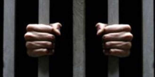 30 mahkûm, gardiyanlara grup seks oyunuyla kaçtı