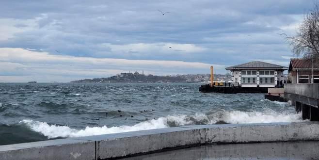 Deniz seferlerine fırtına engeli