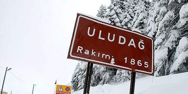 Uludağ yolu yoğun kar yağışı nedeniyle kapandı