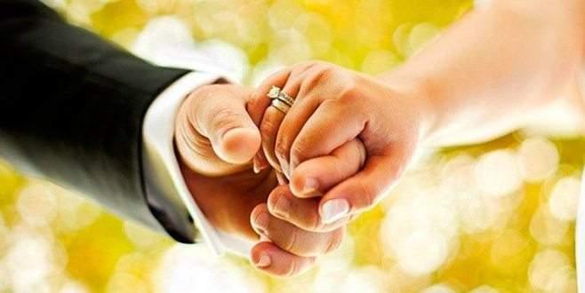 Camide resmi nikah önerisi