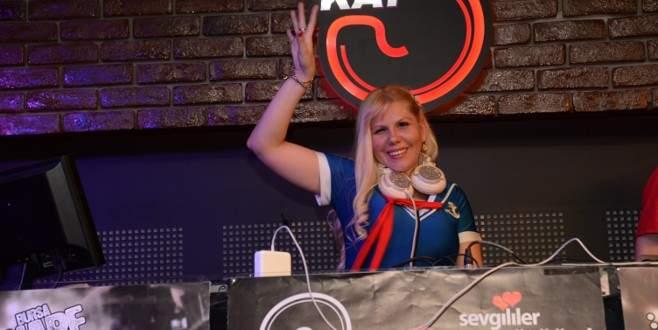Rus DJ Bursa'yı çoşturdu