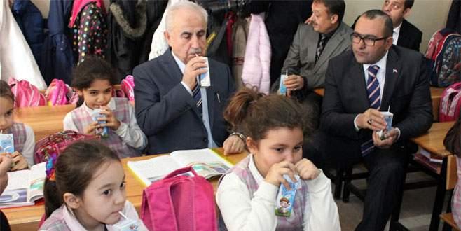 Validen Osmanlıca süt dağıtımı
