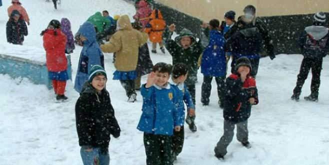 """""""İstanbul'da yarın okullar tatil olacak mı?"""" sorusuna Vali'den yanıt"""
