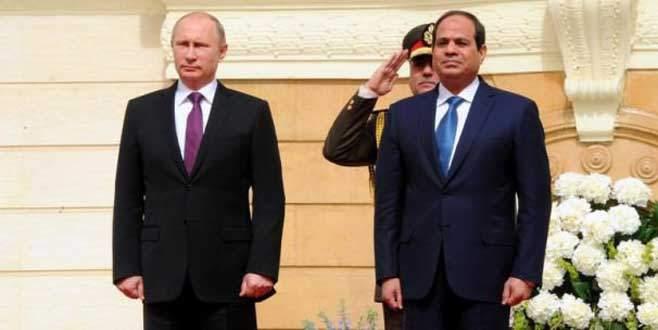 Putin'e 'Ulusal Marş' eziyeti
