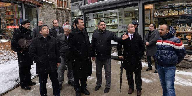 Mustafa Dündar, Gelinlikçiler Çarşısı'nı gezdi