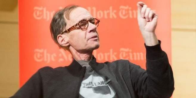 ABD'li gazeteci David Carr yaşamını yitirdi