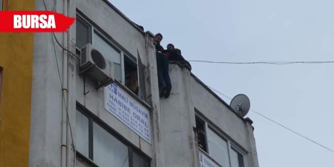 Bursa'da bir garip intihar girişimi!