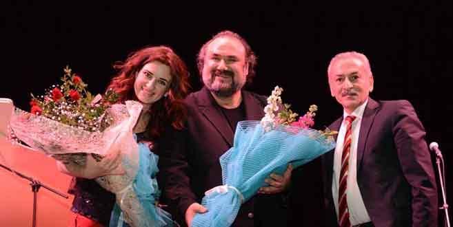 Nilüfer'de 'Mutlu Aşk Şarkıları' yankılandı