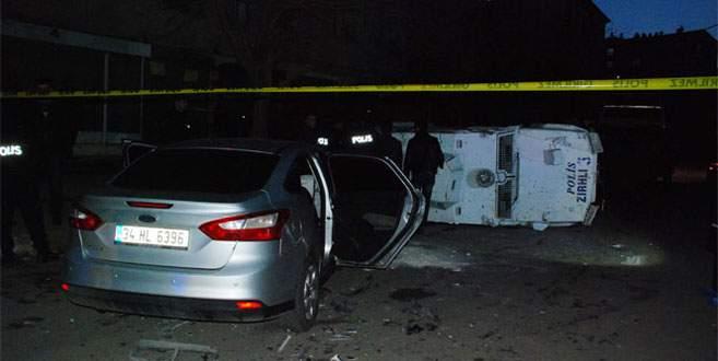 Diyarbakır'da polis aracı devrildi: 3 polis yaralı