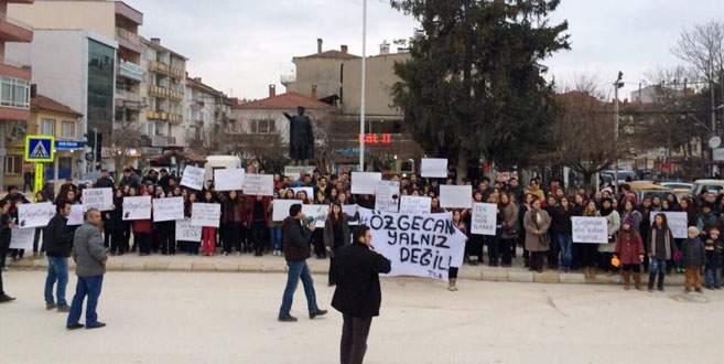 Özgecan cinayeti Yenişehir'de protesto edildi