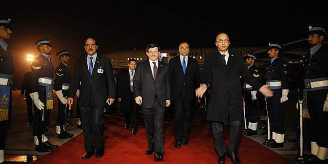 Başbakan Davutoğlu Pakistan'da