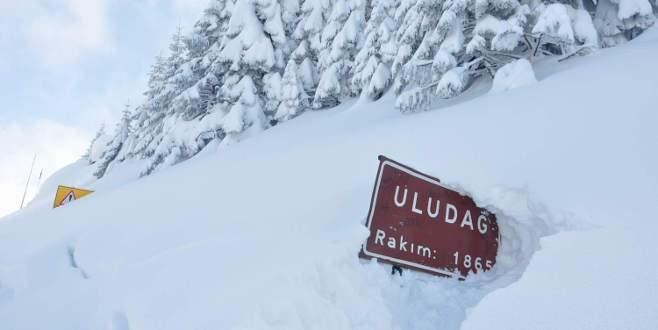 Uludağ'da kar kalınlığı 3 metreye yaklaştı