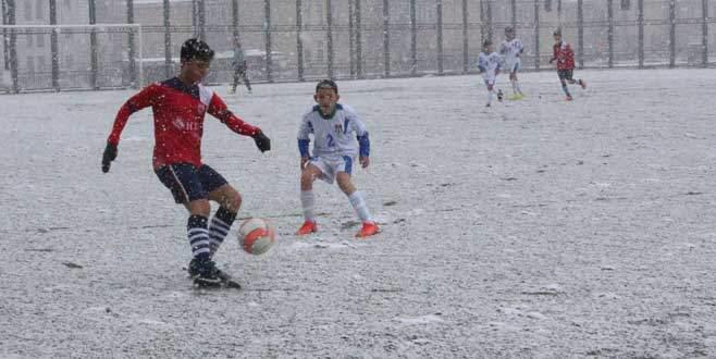 Kar değil Mesken yağdı:3-0