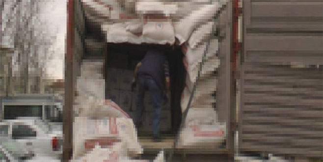 Bursa'da 90 bin paketlik kaçak sigara operasyonu