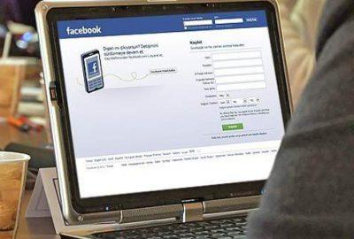 Facebook, fotoğraflara 'çıkartma' özelliği ekledi