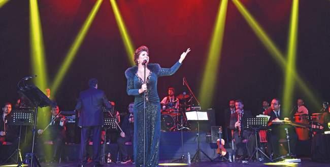 Sibel Can'dan unutulmaz konser