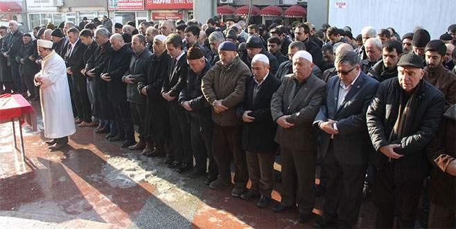 Ülkücülerden gıyabi cenaze namazı
