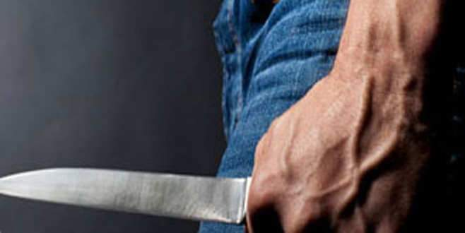 Ayrılmak üzere olduğu eşini 9 yerinden bıçakladı