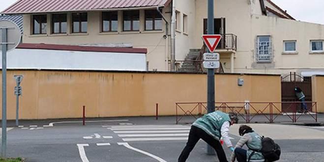 Fransa'da camiye saldıran kişiye hapis cezası