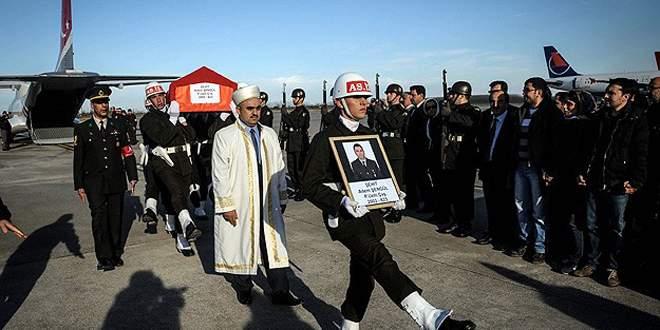 Şehit askerin cenazesi yurda getirildi