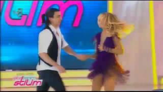 İşte Benim Stilim Burcu Esmersoy dansı