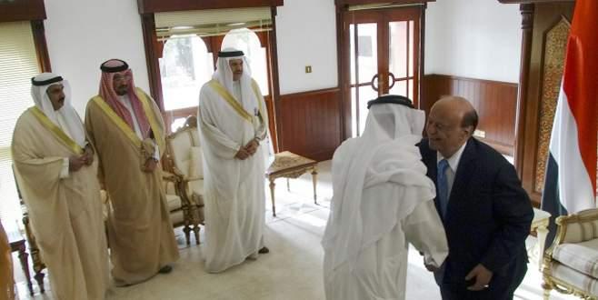 Elçilikler Aden'e taşınıyor