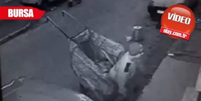 Gazete hırsızları kamerada!