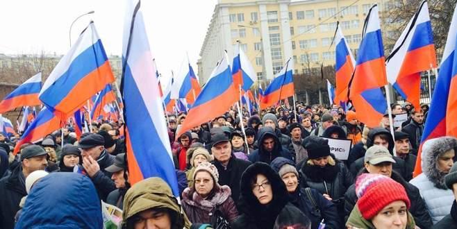 Nemtsov için yürüdüler