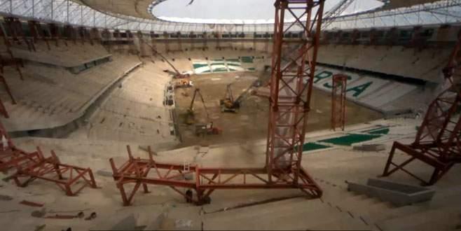 Timsah Arena'da kuleler sökülüyor!