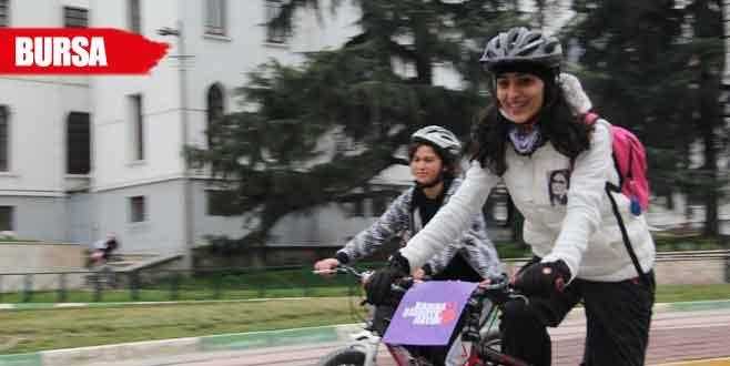 Kadına şiddete dikkat çekmek için pedal çevirdiler