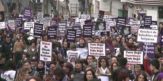 Binlerce kadın Özgecan için yürüdü