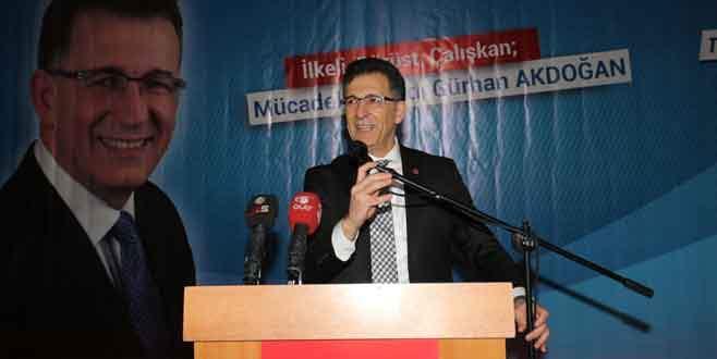 Akdoğan'a coşkulu destek