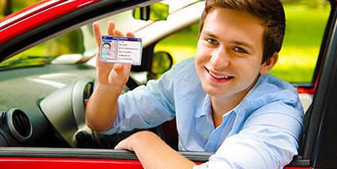 Ehliyetteki işlem ücretine KDK'dan fren!