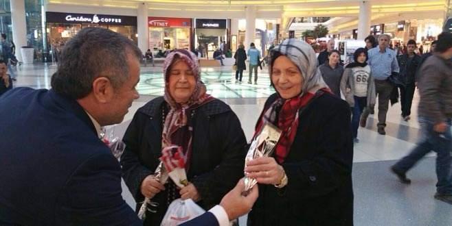 Mustafa Avşar kadınları unutmadı