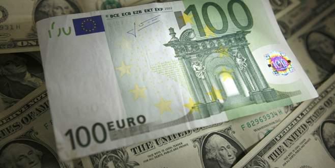 Euro/dolar paritesi 12 yılın dibinde