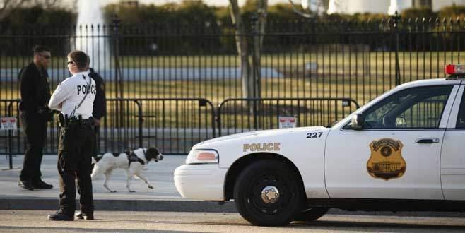 Sarhoş ajanlar, Beyaz Saray'ın duvarına çarptı