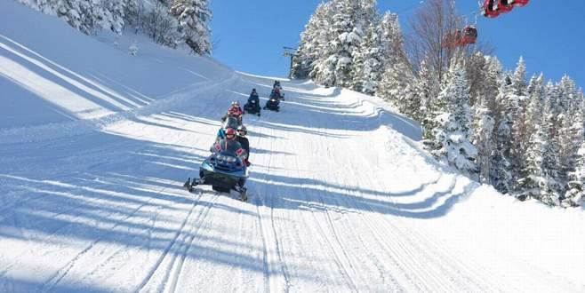 Uludağ'daki kar kalınlığı tatilcileri sevindirdi