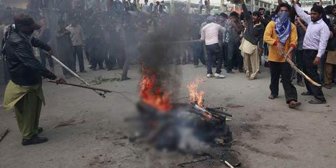 Pakistan'da kiliseye bombalı saldırı: 14 ölü, 80 yaralı