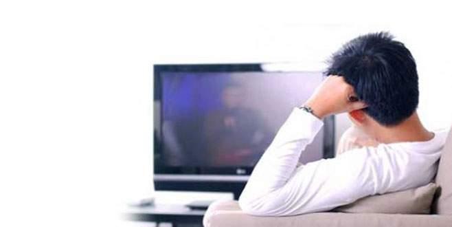 Televizyon izlerken feci şekilde can verdi