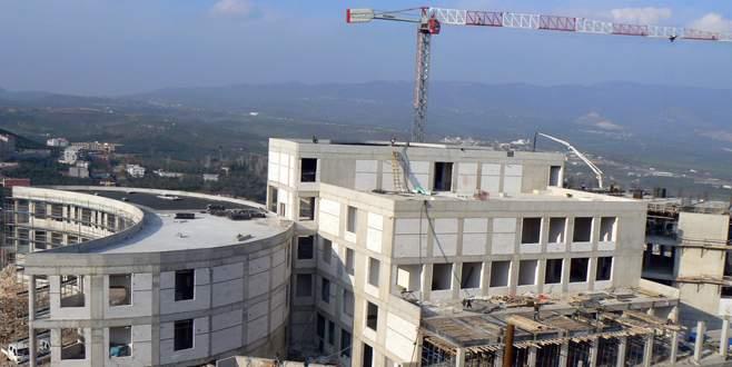 Yeni hastanenin inşaatı sürüyor