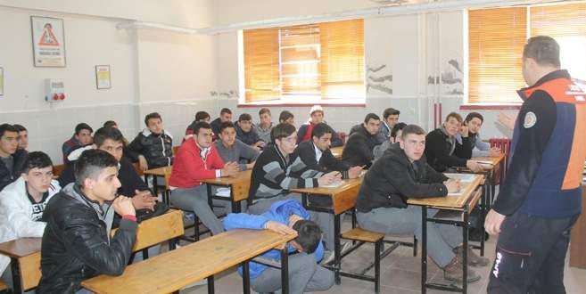 Öğrenciler, deprem tatbikatı ile bilinçlendi