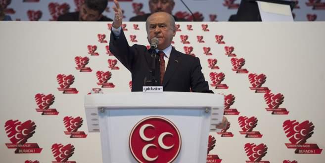 'Türk milleti buradan çıkacak sesi beklemektedir'