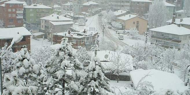 Bursa'nın dağ ilçeleri beyaza büründü