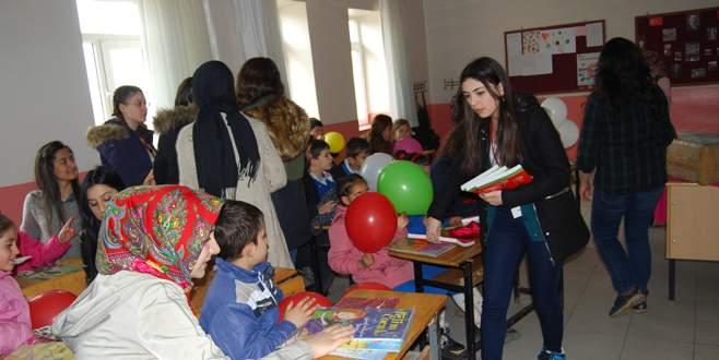 Öğretmen adaylarından 7 bölge 7 okul projesi