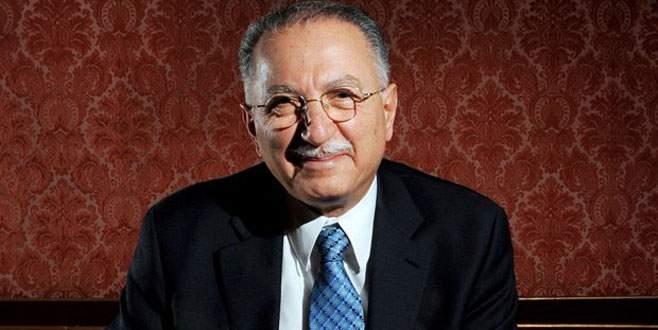 Ekmeleddin İhsanoğlu'na 2015 Barış Ödülü