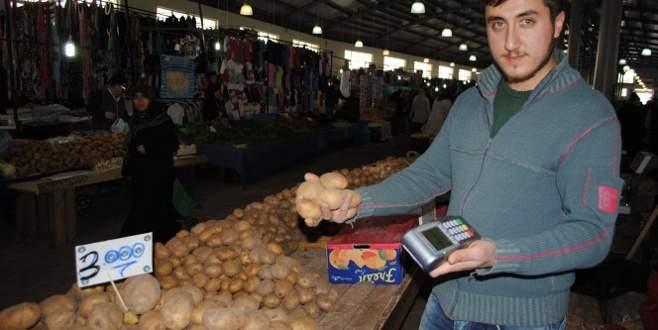 Pazarda kredi kartına taksitle 'patates'