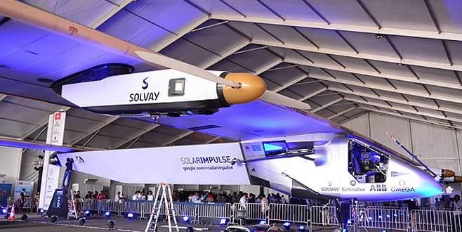 Solar Impulse 2 Çin'e indi