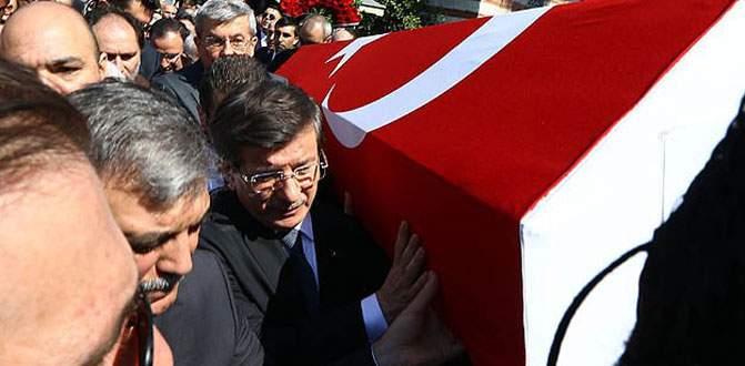 Şehit Savcı Kiraz'ın cenazesi toprağa verildi
