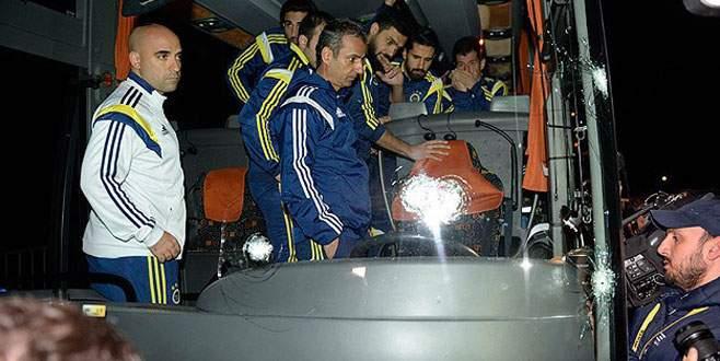 Fenerbahçe otobüsüne silahlı saldırı